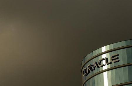 Oracle sues Oregon officials in healthcare website dispute