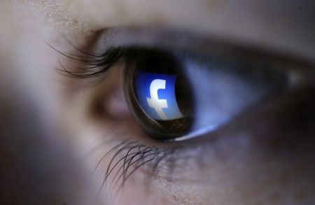 Facebook talks up need for virtual reality, big tech bets