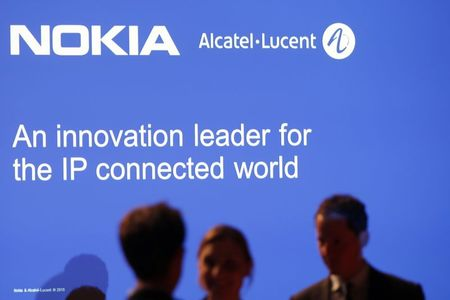 Nokia bets software revolution will help avoid past merger errors