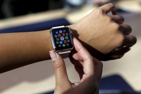 Some Apple Watch buyers to get shipments sooner than expected