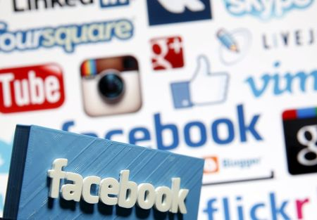 Facebook to let nine news companies publish news to mobile feeds