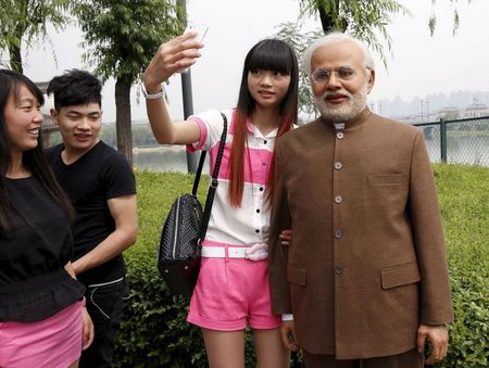 India, China leaders try hand at