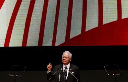 Malaysia's Najib hits back at critics in blog post