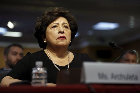 Lawmakers urge removal of top executives at computer-hacked agency