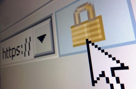 Russian parliament approves Internet privacy bill