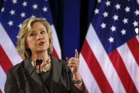 Clinton, congressional Benghazi panel at odds over appearance date