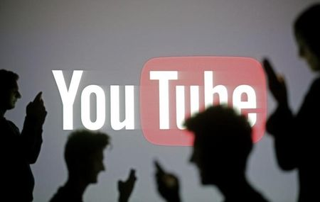 U.S. TV networks court YouTube crowd in quest for digital viewers