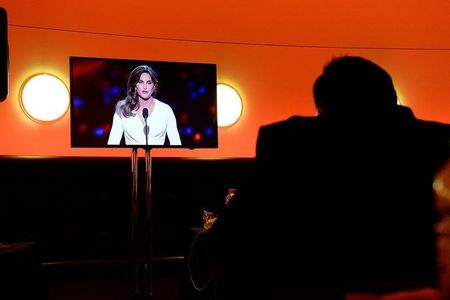 Caitlyn Jenner costume for Halloween sparks social media outrage