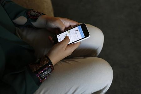 Israel, Palestinians sign 3G mobile network agreement