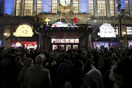 Thanksgiving shopping crowds 'good not great'; online sales strong
