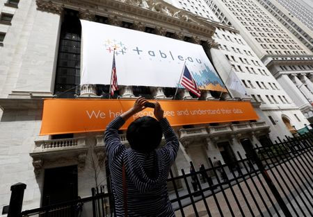 Business services firms' shares bleed as LinkedIn, Tableau crash