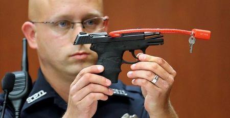Gun used to kill Trayvon Martin auctioned; is bid real?