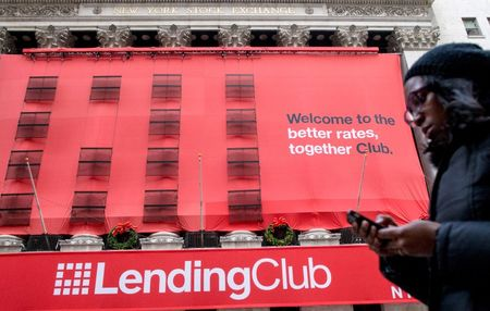 Investments in online lenders fall 44 percent as investors shy from risks