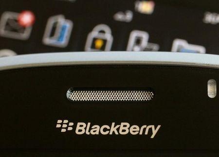 U.S. appeals court sends BlackBerry lawsuit back to lower court