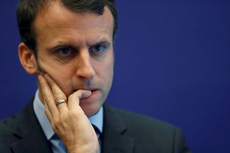 French economy minister to resign on Tuesday