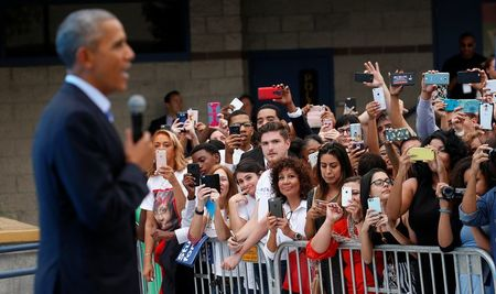Negative tone of White House race sours young voters