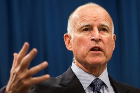 California governor signs climate policy extension into law