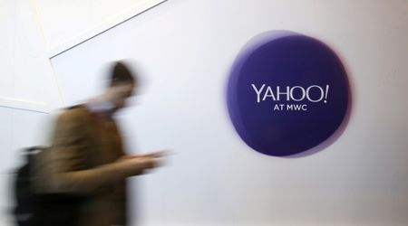 Massachusetts court: Yahoo can give dead man's emails to siblings
