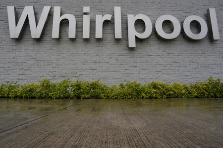 Whirlpool to stop selling big-name brands at Sears