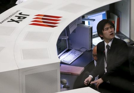 World stocks bounce on report of U.S.-China trade talks