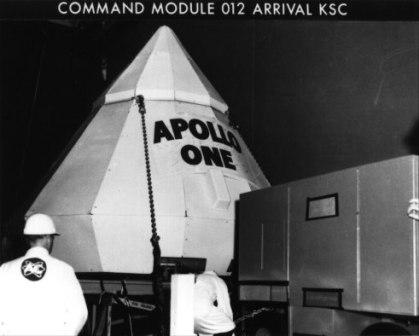 Apollo_One_CM_arrival_KSC
