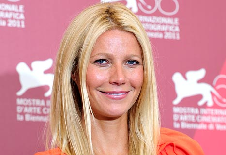 "Gwyneth Paltrow: ""I Don't Know How to Do My Own Makeup"""