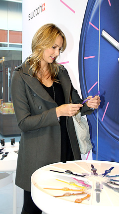 Stacy Keibler Shops for Watches!