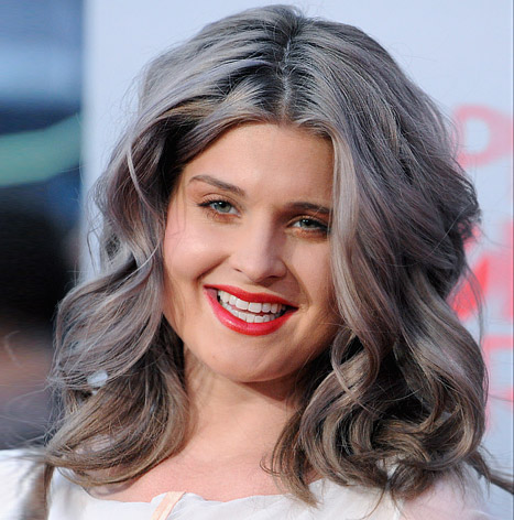 Kelly Osbourne Explains Her New Gray Hair Color