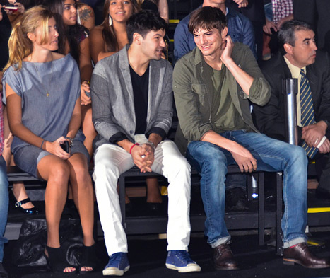 PIC: Ashton Kutcher Sits Front Row at Brazil Fashion Week