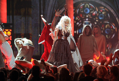 "Nicki Minaj Angers Catholic League With Grammys ""Exorcism"""
