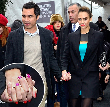 PIC: Jessica Alba, Cash Warren Rock Coordinating Nail Polish!