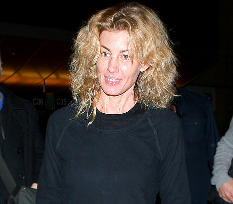 This is a March 2012 airport photo of Faith Hill that has been shown on a