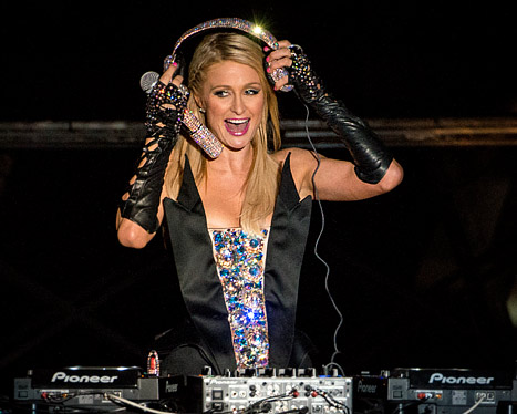 Paris Hilton DJs, Gets Booed and Cheered