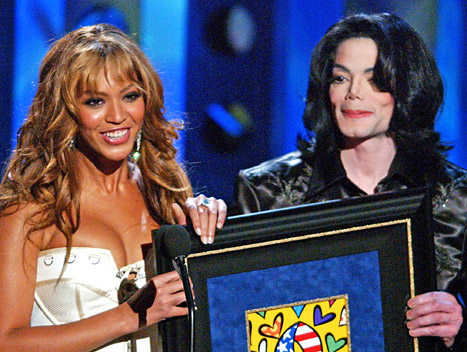 Beyonce Writes Tribute to Michael Jackson