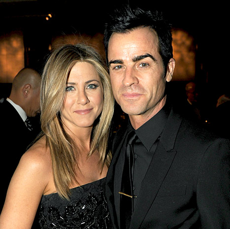 Jennifer Aniston Wants &quot;Destination Wedding&quot; to Justin Theroux