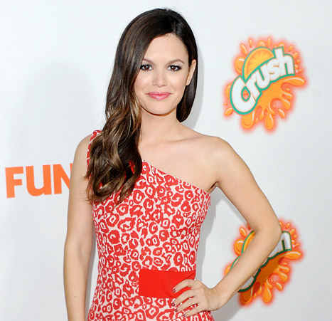 Rachel Bilson: All men hate harem pants, but I dont give a st