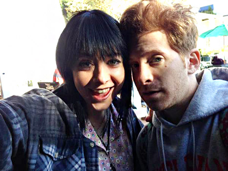 Buffy the Vampire Slayer Costars Alyson Hannigan, Seth Green Reunite on How I Met Your Mother Set
