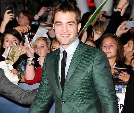 Why Robert Pattinson Needed His &quot;Butt Cheek Massaged&quot; on Twilight Set