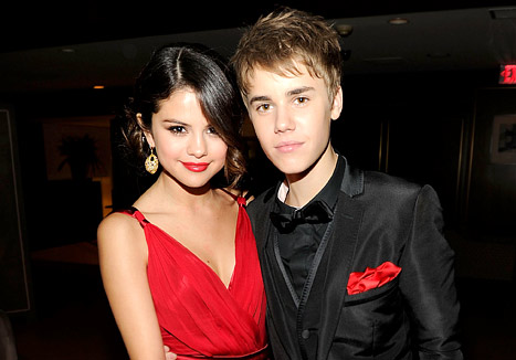 Justin Bieber &quot;Hasn&#39;t Stopped Reaching Out&quot; to Selena Gomez