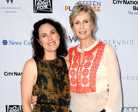 Jane Lynch: Marriage Helped Me Lose 10 Pounds!