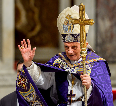 Pope Benedict XVI Tweets First Message, Blessing to Fans