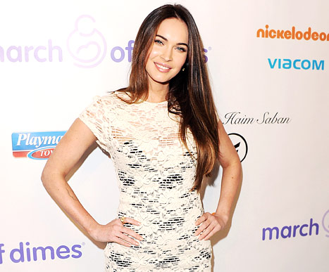 Megan Fox Reluctantly Joins Twitter!