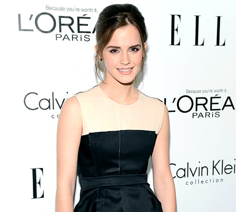 Emma Watson Mistaken for an &quot;Unaccompanied Minor&quot; at Airport