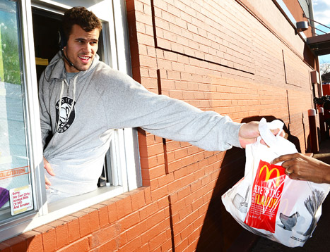 Kris Humphries Works McDonald&#39;s Drive-Thru Window in Brooklyn: Picture