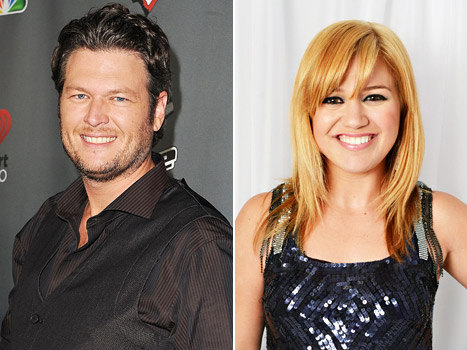 Blake Shelton Will Officiate Kelly Clarkson's Wedding