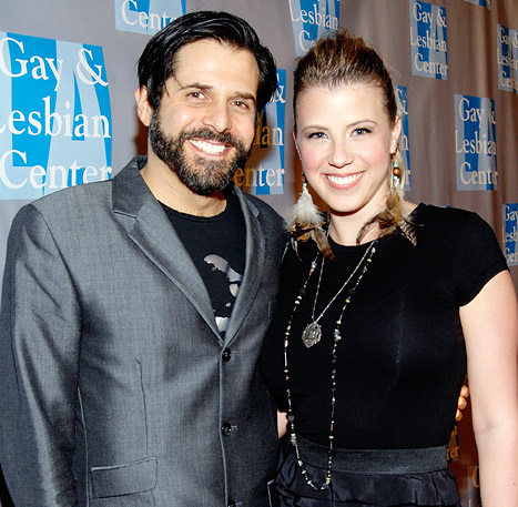Fuller Houses Jodie Sweetins divorce from third husband