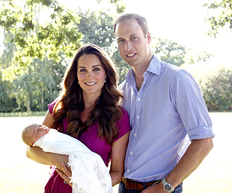 Prince Williams,Duchess Kate and prince George.