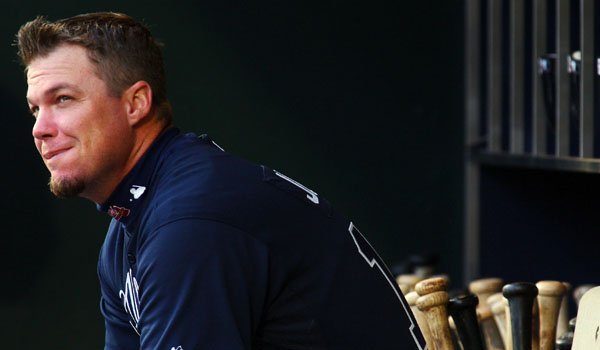 Chipper Jones injures his back while testing his other injury
