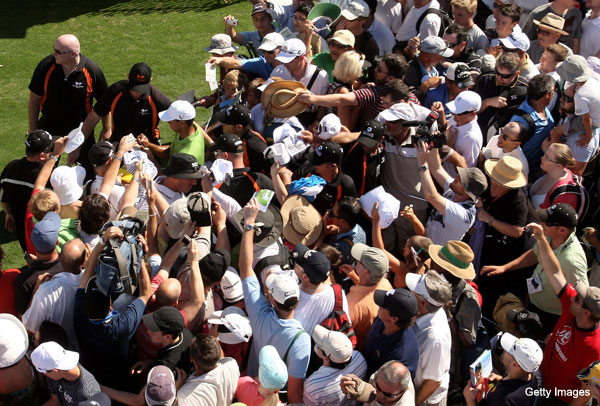 Tiger Woods isn't quite pulling 2009-level mobs in Australia