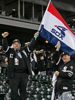 White Sox stand up for Chicago baseball, grab a playoff win